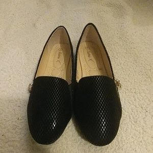 Black Victoria K loafer flats NWT
